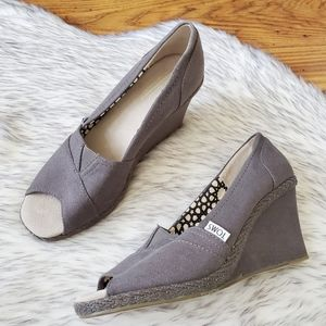 Toms Grey Canvas Peep Open Toe Wedges 8